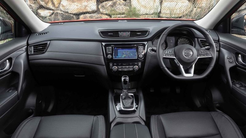 Nissan X-TRAIL N-TREK interior