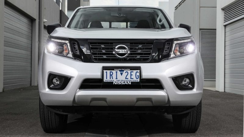 Navara grille close-up