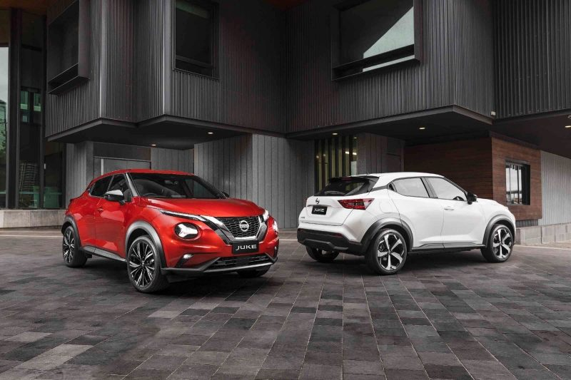 Two all new JUKE vehicles in an urban environment