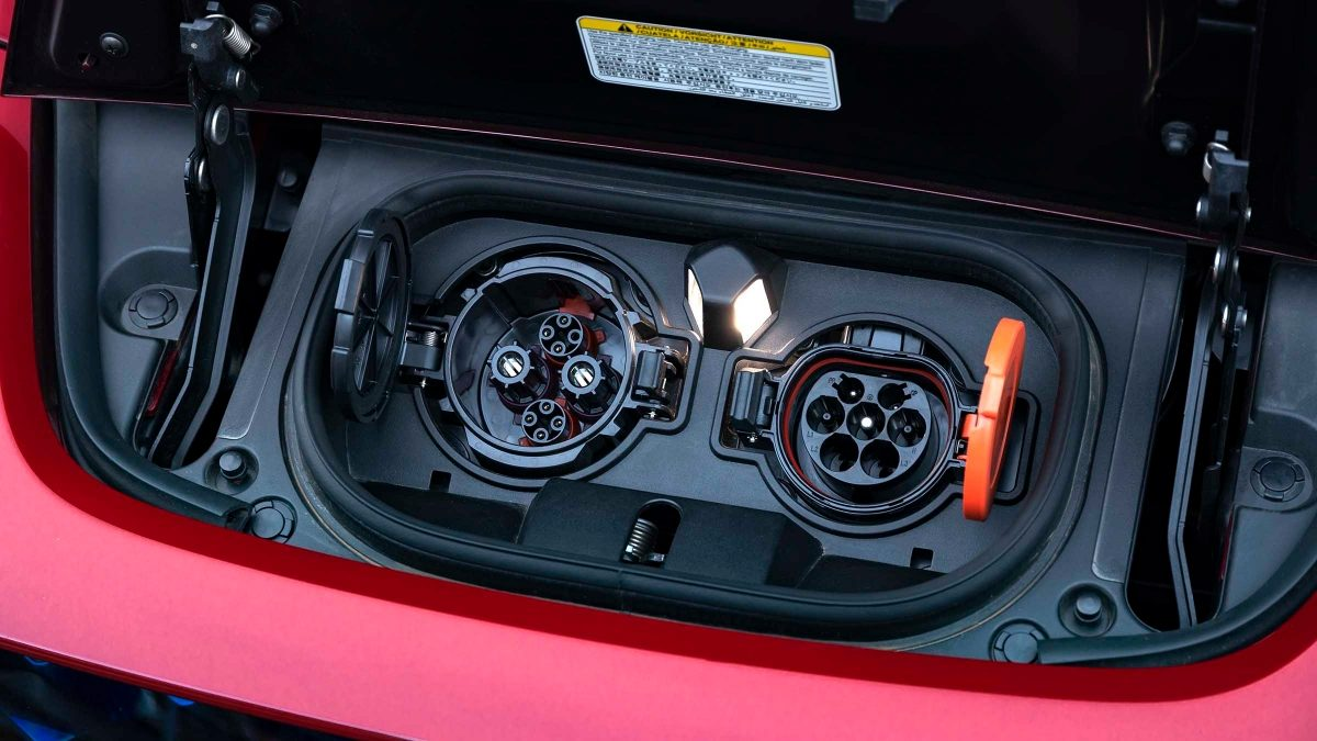 Nissan LEAF plugs close-up