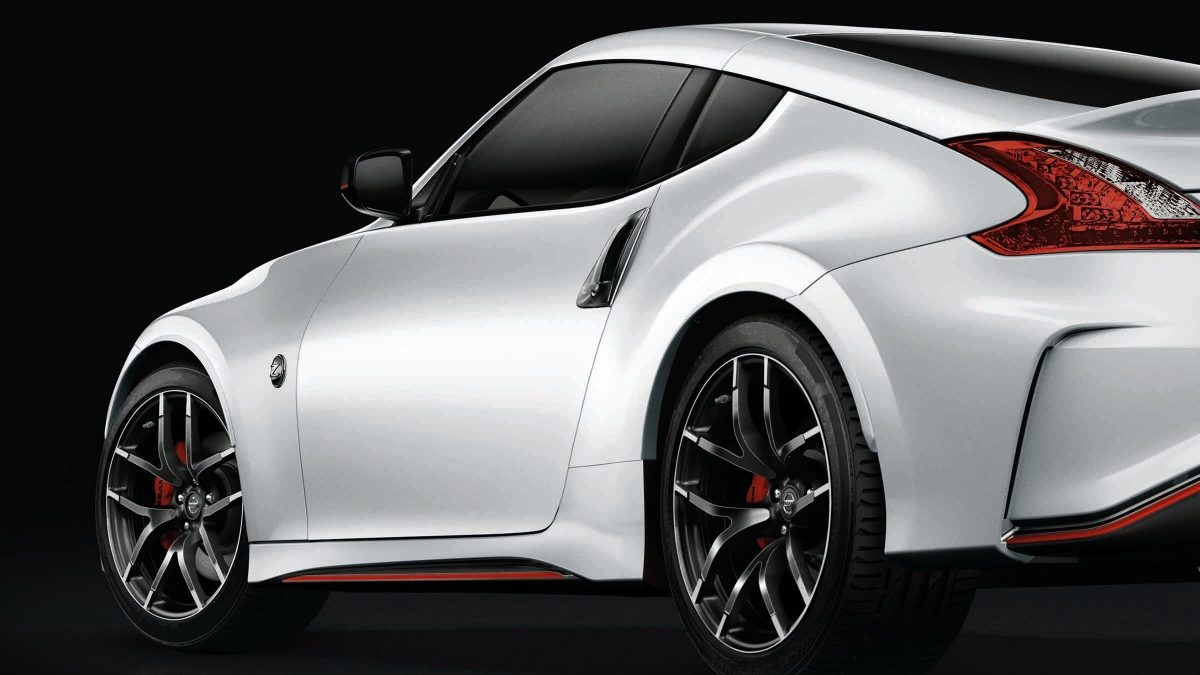 370z studio shot visualising vehicle highlights