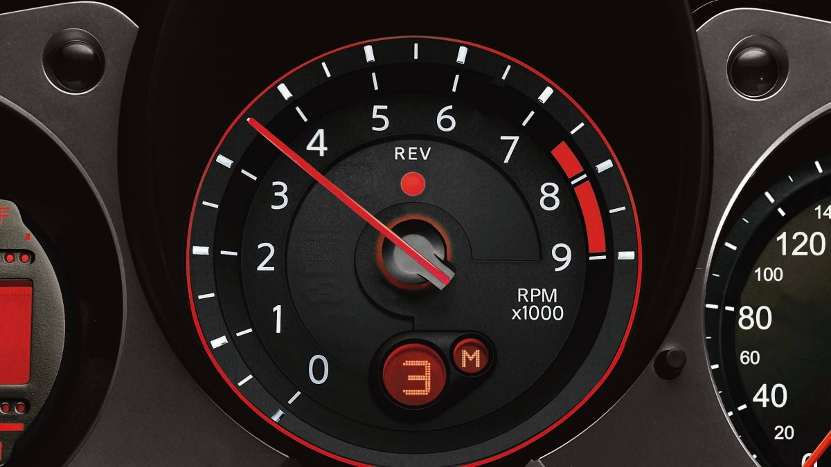 370Z Tachometer with NISMO red highlights