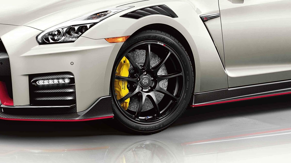 GT-R Rays® forged alloy wheel close up