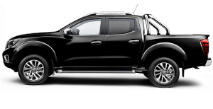 navara st x in cosmic black