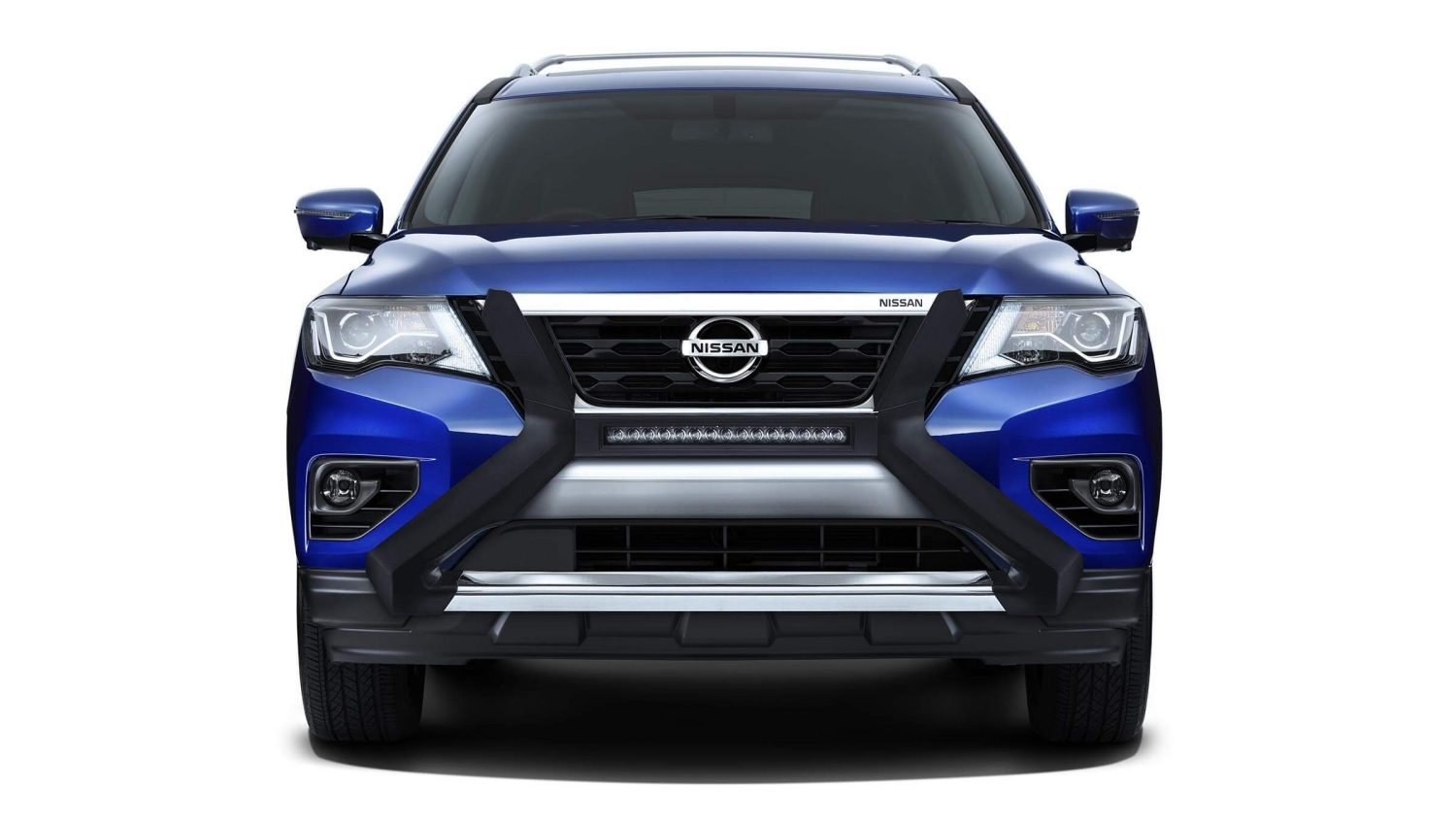 Nissan Pathfinder with light bar