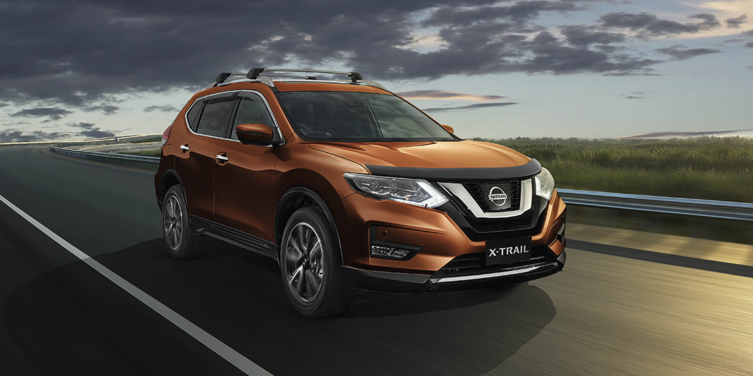 Copper Blaze X-TRAIL TL Driving on remote highway