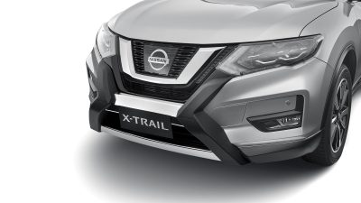 X-TRAIL fitted with Nudge Bar