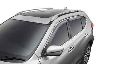 X-Trail fitted with Weathershields