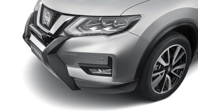 X-TRAIL fitted with Headlamp Protectors
