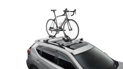 X-TRAIL roof bars fitted with Bike carrier