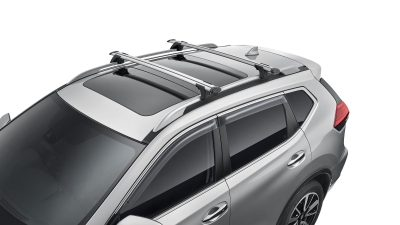 X-TRAIL fitted with Roof bars (Through Style)