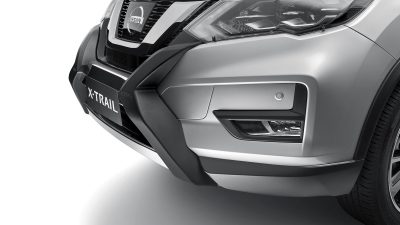 X-TRAIL with Front Corner Park Assist