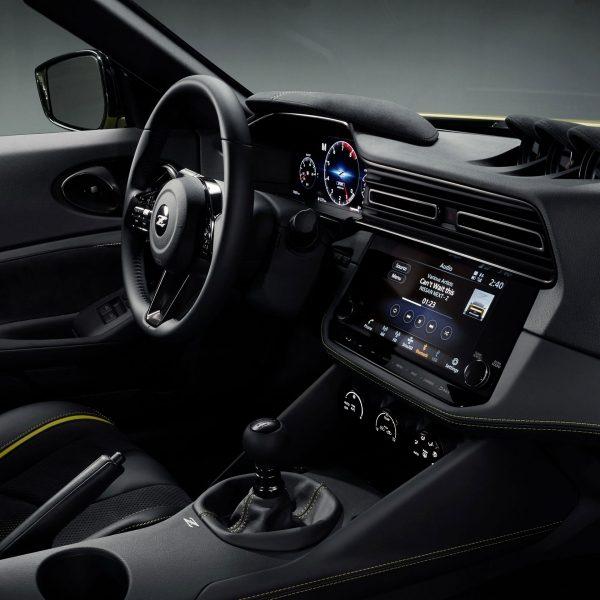 Le Nissan Proto Z 2021 possède un habitacle rempli de technologies malgré ses allures rétro