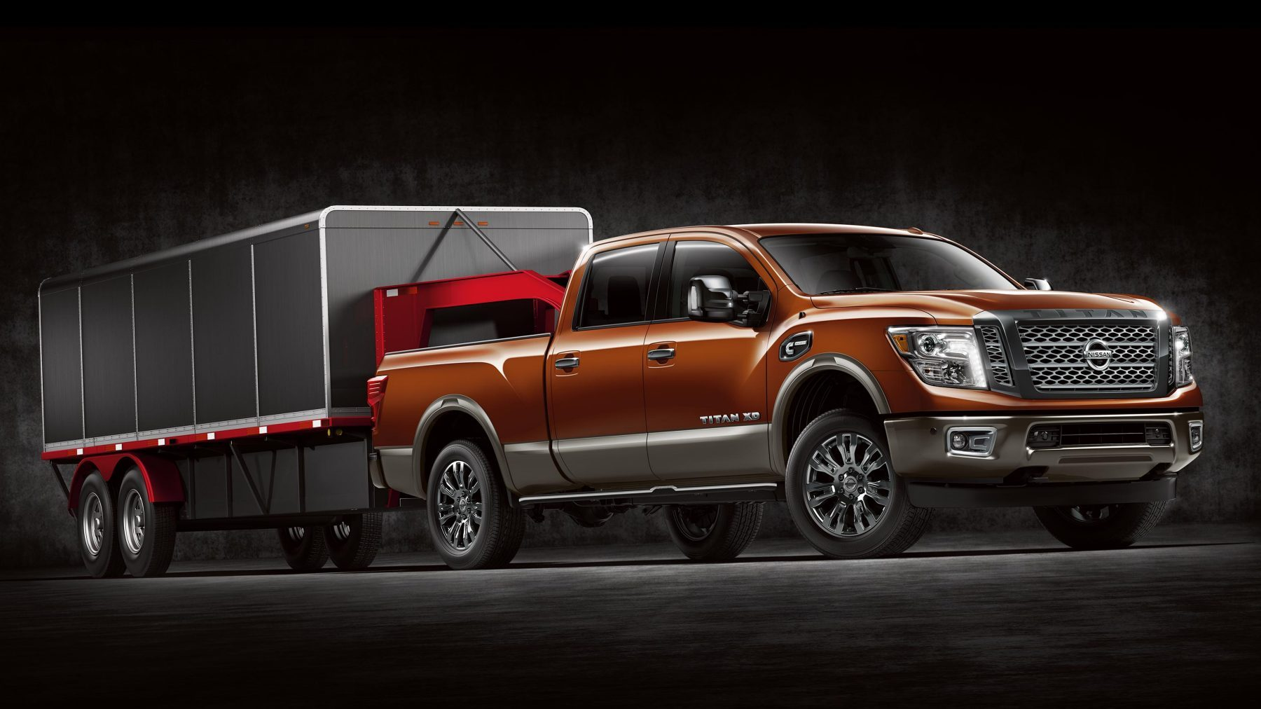 All-new Nissan Titan XD gooseneck hitch.