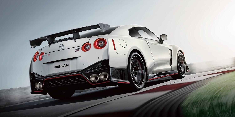 GT-R NISMO rear on track