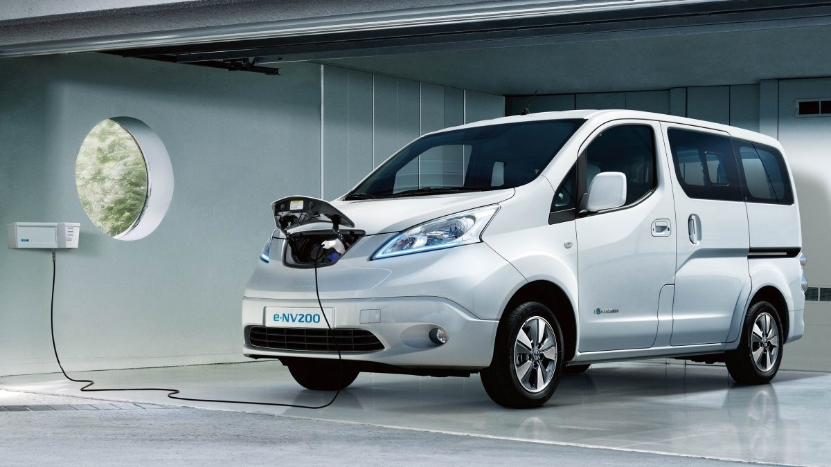 e-NV200 in garage charging