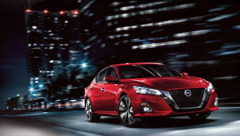 Nissan Altima exterior