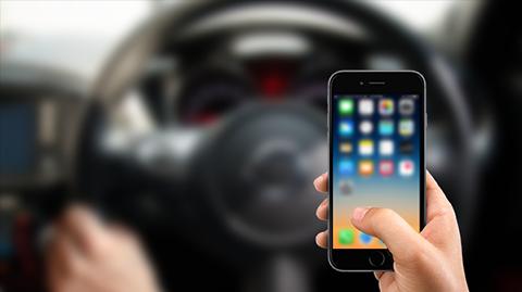 Fakta Penggunaan Ponsel Saat Mengendarai Mobil