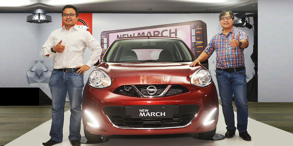 NMI 3 - Vice President Marketing and Sales NMI Davy J. Tuilan dan General Manager Marketing Strategy NMI Budi Nur Mukmin memperkenalkan New Nissan March dengan tampilan yang lebih elegan dan fitur canggih.