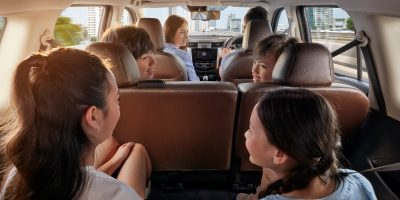 Nissan Terra interior with people in all three rows