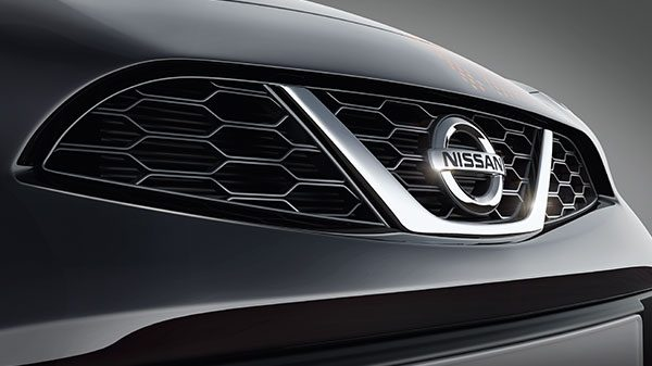 NISSAN SIGNATURE V-SSHAPED GRILL