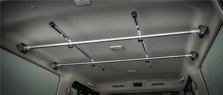 ラゲッジユーティリティナットを活用した荷室アレンジなら、使い勝手のいい自分仕様の荷室が完成。