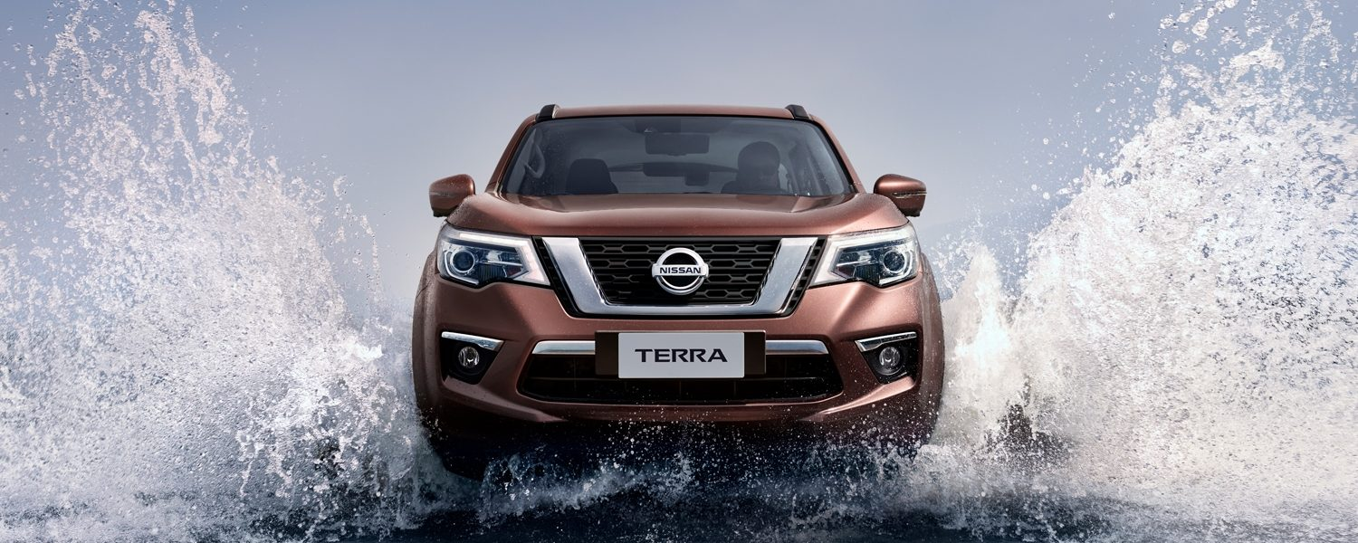 Nissan Terra driving through the water
