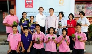 Nissan Partners with the Raks Thai Foundation to Build Leadership Skills for Thai students