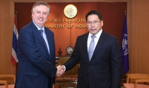 Nissan Executive Vice President meets Thailand Minister of Industry